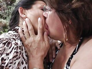 3 older lesbos have some serious joy