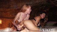 Baeb 1st décharge porno lesbienne avec la camgirl populaire Jenny Blighe
