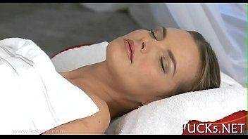 Erotic massage for pleasing dyke